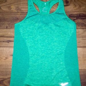 Nike Work Out Top Size M Dry Fit